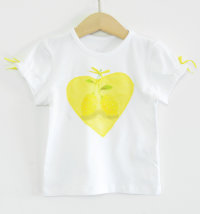 KNOT SO BAD Majica s printom limuna i aplikacijom srca