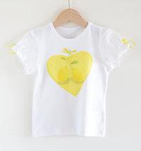 Majica s printom limuna i aplikacijom srca