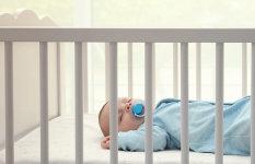 INFOGRAFIKA: Kako obući bebu za spavanje (i miran san)